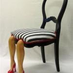 Designad svart vit stol